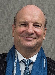 Chris Hollis, Président du CLIFF & Directeur de la Communication Financière chez LVMH
